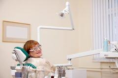 Bezoek bij de tandarts stock fotografie