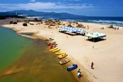 Bezoek het Beeldhouwwerk van het Zand op strand Royalty-vrije Stock Foto