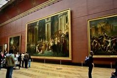 Bezoekend Louvre stock foto