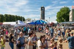 Bezoekers bij een landbouwaardappelfestival in Emmeloord, Nederland Stock Foto's