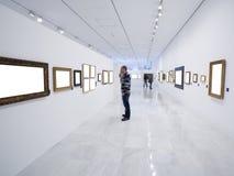 Bezoekers bij het museum Royalty-vrije Stock Foto's