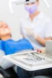 Bezpłodni narzędzia dla dentysty w praktyce Fotografia Stock