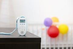 Bezprzewodowy dziecko monitoru przyrząd na stole Zdjęcia Stock
