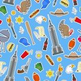 Bezszwowa ilustracja na temacie podróż w kraju Ameryka, proste łat ikony na błękitnym tle Obrazy Stock