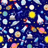 Bezszwowa ilustracja na temacie przestrzeń i podróż kosmiczna barwimy ikony na błękitnym tle Fotografia Royalty Free