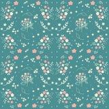 Bezszwowa kwiecista deseniowa ręka rysujący mali biali sylwetka kwiaty w bukiecie kapują jagody na blueish zieleni tle, tkanina,  Obraz Stock