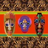 Bezszwowa wektor granica z szamańskimi maskami i zwierzę drukami Obraz Royalty Free