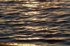 Bezszwowego tekstura Ciepłego koloru zmierzchu wody Olśniewająca powierzchnia Obraz Royalty Free