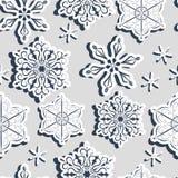 Bezszwowy bławy wzór z trójwymiarowymi papierowymi płatkami śniegu z cieniem ilustracja wektor