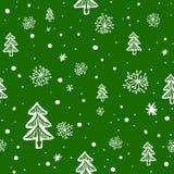 Bezszwowy doodle z płatkami śniegu i drzewem Obrazy Royalty Free