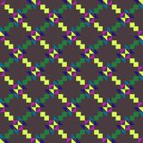 Bezszwowy geometryczny wzór z barwionymi trójbokami i kwadratami na popielatym tle ilustracji