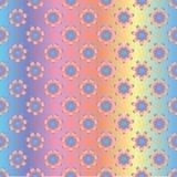 Bezszwowy holograficzny wzór tęcza kwiaty na gradientowym barwionym tle, ilustracji