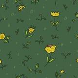 Bezszwowy kwiecisty wzór z kwiatami i liśćmi na zielonym tle w modnym kreskowym stylu Obraz Royalty Free