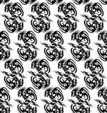 Bezszwowy monochromu wzór z stylizowanymi smokami Zdjęcie Stock