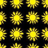 Bezszwowy ognisty słońce na czerni Obraz Royalty Free