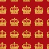 Bezszwowy wektoru wzór z złotymi koronami Obrazy Royalty Free
