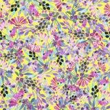 Bezszwowy wzór akwareli błękit opuszcza, purpura kwiaty i jagody Fotografia Stock