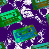 Bezszwowy wzór - retro akwareli audiocassette Obrazy Stock