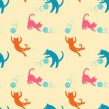 Bezszwowy wzór z ślicznymi bawić się kotami Zdjęcie Royalty Free