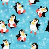 Bezszwowy wzór z śmiesznymi pingwinami i płatkami śniegu Obraz Royalty Free