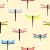Bezszwowy wzór z barwiącymi dragonflies również zwrócić corel ilustracji wektora ilustracja wektor