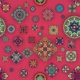 Bezszwowy wzór z dekoracyjnymi mandalas Rocznika mandala elementy Obrazy Stock