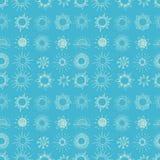 Bezszwowy wzór z doodle słońcem na błękitnym tle Może używać dla tapety, deseniowe pełnie, tkanina, strona internetowa Zdjęcia Stock