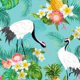 Bezszwowy wzór z Japońskimi żurawiami i Tropikalnymi kwiatami, Retro Kwiecisty tło, moda druk, Urodzinowy japończyk royalty ilustracja