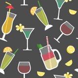 Bezszwowy wzór z koktajlami, alkoholiczni napoje royalty ilustracja