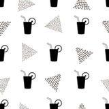 Bezszwowy wzór z koktajlami Czarne ikony i kreatywnie triang Fotografia Stock