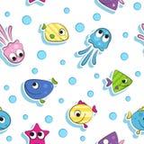 Bezszwowy wzór z kolorowymi kreskówek ryba Biały tło Obraz Royalty Free
