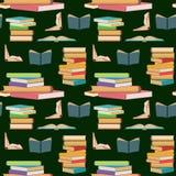 Bezszwowy wzór z kolorowymi książkami, sztaplowaniem lub stosami książki na ciemnozielonym tle, ilustracja wektor