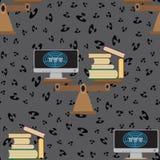 Bezszwowy wzór z książkami, komputer z internetem, waży i znak zapytania royalty ilustracja