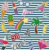 Bezszwowy wzór z mod łatami majchery, szpilki i ręcznie pisany notatki inkasowi w kreskówki 80s-90s komiczce, projektują Zdjęcie Stock