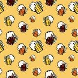 Bezszwowy wzór z piwem Zdjęcia Stock