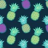 Bezszwowy wzór z pociągany ręcznie stubarwnymi ananasami Obraz Royalty Free