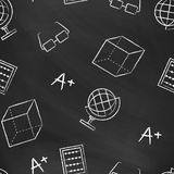 Bezszwowy wzór z powrotem szkoła Wektorowy czarny blackboard pisać z biel kredą Obraz Stock