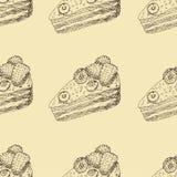 Bezszwowy wzór z ręka rysującymi konturami czekoladowy tort z malinkami i czarnymi jagodami na beżowym tle obrazy stock