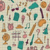 Bezszwowy wzór z setem różne szkolne rzeczy Używać dla tekstylnej tkaniny projekta, opakunkowego papieru i stron internetowych ta royalty ilustracja
