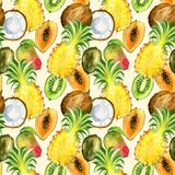 Bezszwowy wzór z tropikalnymi egzotycznymi owoc kiwi, mango, ananas i kokosowy plasterek, Zdjęcia Royalty Free