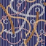 Bezszwowy wzoru srebra łańcuch, pasek i lato arkany na, morskim nautycznym marynarki wojennej lue i bielu lampasie ilustracji
