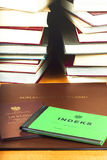 In Bezug auf Bücher der Index, das Diplom und die Ergänzung des Diploms Lizenzfreies Stockbild