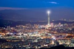 bg城市晚上场面台北台湾使用 图库摄影