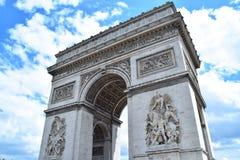 Båge av den Triumph Frankrike monumentet Royaltyfri Bild