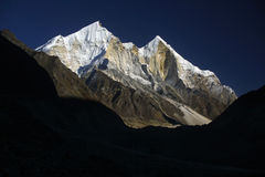 bhagirathi喜马拉雅山山 库存照片