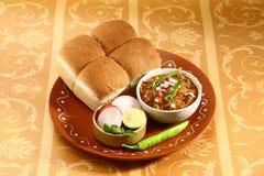 Bhaji Chaat, piatto indiano del Pav del curry Immagine Stock Libera da Diritti