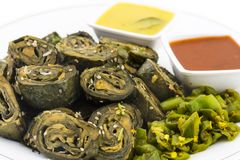 Bhajiya oder patra Arbi Lizenzfreies Stockfoto