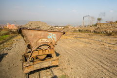 BHAKTAPUR, NEPAL - lokale Baksteenfabriek Ter plaatse stock fotografie