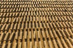 BHAKTAPUR, NEPAL - lokale Baksteenfabriek Ter plaatse stock afbeelding