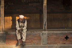BHAKTAPUR, NEPAL - NOVEMBER 20: People staying and relax in Bhak Royalty Free Stock Photos
